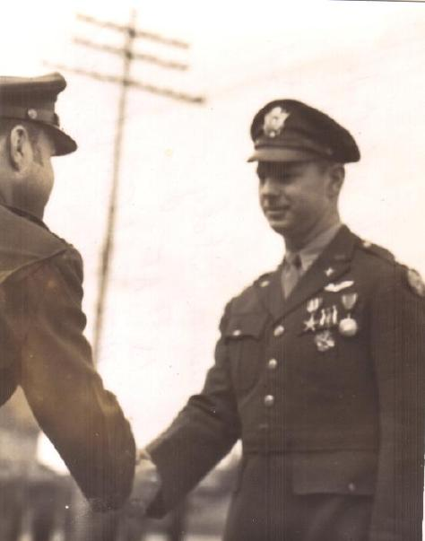 Lt Col Gideon receiving the Silver Star